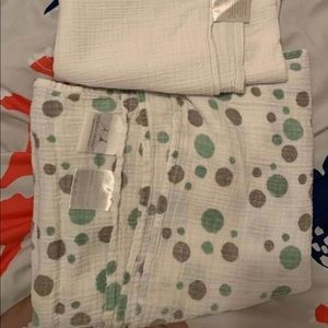 Set of Aden & Anais cotton muslin swaddle blankets